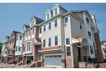 Spacious 3BD/3.5BTH NEW CONSTRUCTION TOWNHOUSE!